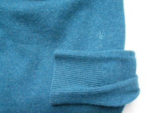 Blue cashmere sweater by In Linea