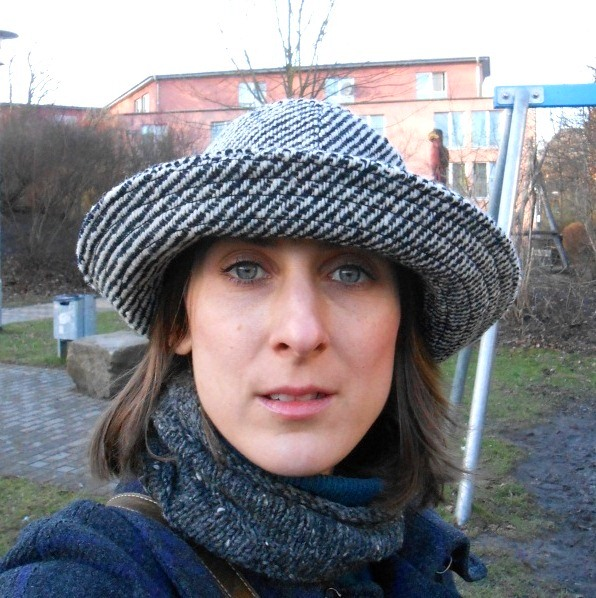I got the hat at Anziehend, my favourite second hand boutique in Braunschweig.